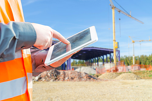 04-construction-worker-contractor-using-tablet-computer